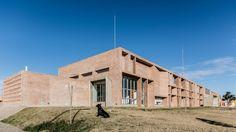 Hospital Municipal Villa el Libertador Príncipe de Asturias / Santiago Viale + Ian Dutari + Alejandro Paz