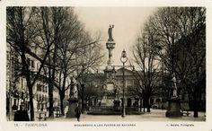 Postal antigua de Pamplona: Monumento a los Fueros de Navarra