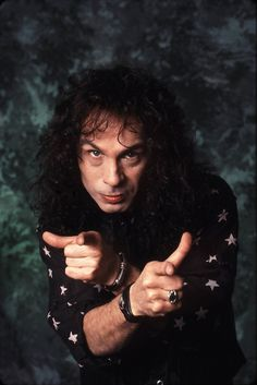 Every Day With Classic Rock & Heavy Metal & More. Heavy Metal Rock, Heavy Metal Music, Black Metal, Rainbow Dio, Metallica, Iron Maiden Posters, Holy Diver, James Dio, Marilyn Monroe Photos