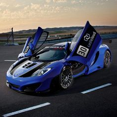 Awesome McLaren MP4-12C GT1