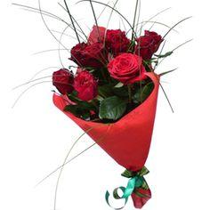 Артикул: 035-176 Состав букета: 9 роз красного цвета, декоративная зелень, оформление  Размер: Высота букета 60 см Роза: Выращенная в Украине http://rose.org.ua/bukety-iz-roz/1292-chizhik.html #букеты #букетроз #доставкацветов #RoseLife #flowers #SendFlowers #купитьрозы #заказатьрозы   #розыпоштучно #доставкацветовкиев #доставкацветовукраина #срочнаядоставка #заказатьрозыкиев