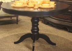 Lot # : 281 - Tables