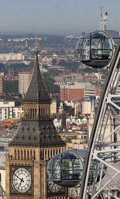 England, clock of Big Ben and the London Eye capsule. You can capture the most unbelievable pictures from the London Eye! London Eye, Top Of The World, Travel Around The World, Around The Worlds, Big Ben, Oh The Places You'll Go, Places To Travel, Magic Places, London United Kingdom