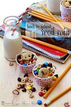Sugar Bean Bakers: {Back To School Trail Mix} Breakfast Snacks, Lunch Snacks, Yummy Snacks, Kid Lunches, Kid Snacks, Yummy Food, School Lunch Box, School Snacks, School Fun