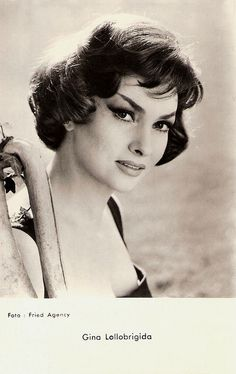 https://flic.kr/p/CJgmki | Gina Lollobrigida | French postcard by Editions P.I., presented by Les Carbones Korès Carboplane, no. FK 22. Photo: Fried Agency.  Gorgeous Italian actress and photojournalist Gina Lollobrigida (1927) was one of the first European sex symbols of the post war years. 'La Lollo' paved the way into Hollywood for her younger colleagues Sophia Loren and Claudia Cardinale.  For more postcards, a bio and clips check out our blog European Film Star Postcards Already over 3…