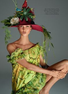 ZsaZsa Bellagio: Whimsy and Delight Body by Kloss Vogue Italia December 2011 Karlie Kloss by Steven Meisel Karlie Kloss, John Galliano, Mad Hatter, Moda Floral, Christian Dior, Fru Fru, Vintage Dior, Steven Meisel, Wearing A Hat