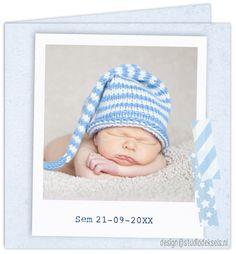 Studio Deksels • geboortekaartjes • foto • newborn shoot • polaroid • muts • babyblauw