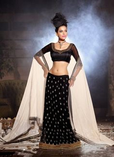 Charming Black Lehenga Choli #lehnga #wedding #bridal #shaadi #women #bride #LehengaCholi #ethnic #wear #desiwedding #asianclothes #bollywood #indian #trendz #indiantrendz