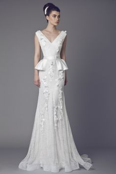 Tony Ward Bridal 2015 I Look 07 I BELLADONNA - Lace Off White gown with V-Neckline, peplum waist, Guipure and Lace embellishments