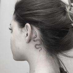 40 Gorgeous Tattoos by Shpadyreva Julia - TattooSphera - Snake Tattoo by Shpady. - 40 Gorgeous Tattoos by Shpadyreva Julia – TattooSphera – Snake Tattoo by Shpadyreva Julia – - Tattoo Snake, Skull Tatto, Small Snake Tattoo, Small Hand Tattoos, Gorgeous Tattoos, Cute Tattoos, Star Tattoos, Body Art Tattoos, Tattoo Drawings