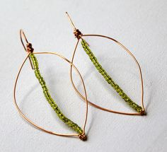 Leaf Earrings Project from Rediscover Your Creativity & Make Jewelry eCourse Wire Earrings, Wire Jewelry, Jewelery, Handmade Jewelry, Drop Earrings, Unique Jewelry, Jewellery Diy, Earring Tutorial, How To Make Earrings