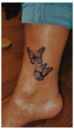 Cute Hand Tattoos, Dainty Tattoos, Mini Tattoos, Finger Tattoos, Leg Tattoos, Tatoos, Tattoos For Ankles, Unique Hand Tattoos, Butterfly Ankle Tattoos
