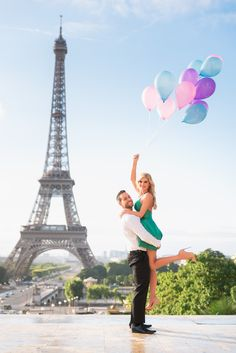 This is a collection of the best Paris photos that our studio has produced over the course of years. Paris photoshoot, engagement, honeymoon, weddings, etc Torre Eiffel Paris, Paris Eiffel Tower, Tour Eiffel, Balloons Photography, Paris Photography, Couple Photography, Paris Pictures, Paris Photos, Cool Pictures