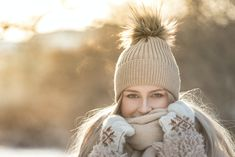 Cold, dry air can leave your skin itchy, red, and irritated. Combat dry winter skin with these tips for retaining your skin's natural moisture. Keep Warm, Stay Warm, Faux Shearling Coat, Ways To Save, 5 Ways, Luscious Hair, Velvet Hair, Damp Hair Styles, Winter Trends