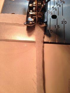 Мой мастер-класс рассчитан на рукодельниц, которые уже шили из легких тканей, таких как вуаль, органза и прочих. Для начинающих швей, возможно это будет трудновато, но всё равно стоит попробовать. Недавно мне нужно было сшить занавески, и я вспомнила, как легко и достаточно быстро подшить ткань для занавесок. Обычно для занавесок или для тюлевых штор используют синтетические ткани: органза, вуаль и т.п.