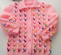 Lastikli Bebek Hırkası Yapılışı Baby cardigan made with colorful tires. In the braid model of the baby cardigan made with colored tires compressed between the braids. Baby Cardigan, Cardigan Bebe, Baby Pullover, Knit Cardigan, Knitted Baby Clothes, Knitted Baby Blankets, Crochet Clothes, Motif Bikini Crochet, Crochet Bikini Pattern