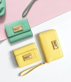 cute #MarcJacobs #yellow clutch http://rstyle.me/n/h7bbmr9te