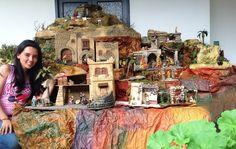 Segunda muestra Grupo pesebrista unicauca 2014 Christmas Ideas, Christmas Decorations, Party, Painting, Nativity, Births, Nativity Sets, Group, Houses