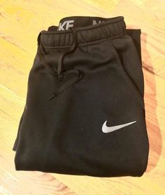 Men's Nike sweatpants size XL for Sale in Topeka, KS - OfferUp Nike Sweatpants, Black Smoke, Nike Dri Fit, Nike Men, Fitness, How To Wear, Fashion, Gymnastics, Moda