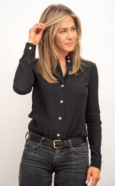 Fashion Trend to Makeover: Jennifer Aniston& Favorite Looks .- The favorite looks of Hollywood Darling Jennifer Aniston& as fashion trend 2019 now at H & M to shop – right here with us. Jennifer Aniston Style, Jennifer Aniston Fotos, Jennifer Aniston Pictures, Jennifer Aniston Aveeno, Jennifer Aniston Hairstyles, Jennifer Aniston Makeup, Jennifer Aniston Friends, Cabelo Jenifer Aniston, Jeniffer Aniston