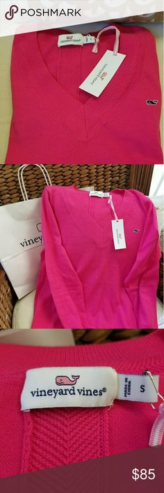 Vineyards Vines  size sm spring peoni pink sweater Vineyards Vines  size small  Too cute spring peoni pink sweater! Beautiful detail last two pics are of the back.  Nwt, never  worn and non smoking home... my loss your gain! vineyards Sweaters V-Necks