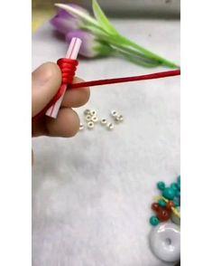 Diy Friendship Bracelets Patterns, Diy Bracelets Easy, Bracelet Crafts, Braided Bracelets, Hand Embroidery Videos, Bead Embroidery Patterns, Beading Patterns, Rope Crafts, Diy Crafts For Gifts