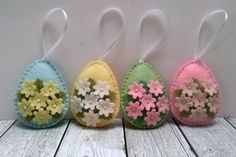 Please NOTE!!! This is pre-order for Easter 2018. Order will be finished in January. ------------------------------------------------------ Felt easter decoration - Pastel egg ornament with tiny flowers / choice of background color / pastels Listing is for 1 ornament Size of my decorated