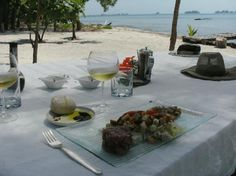 Utila Honduras Best Accommodations | Utila, Honduras: Sunday lunch at a very special place!