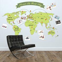 Muursticker wereldkaart met fotolijsten kinderkamer van Stickerkamer.nl  €24,95