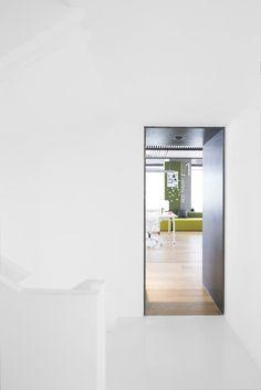 Gallery of Tianzhu Marketing Center / Tsushima Design Studio - 4