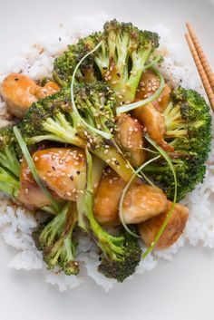 General Tao Chicken is traditionally a deep-fried chicken dish with a sticky, spicy sauce. We added broccoli and a sweet kick to the sauce to create a healthy option for when you're craving takeout.
