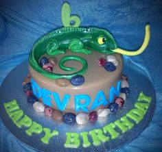Lizard Cake Lizard Cake, Birthday Cake, Birthday Ideas, Cake Ideas, Desserts, Party Ideas, Cakes, Food, Tailgate Desserts