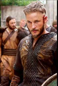 I dig this show for A LOT of reasons, but how ol' Ragnar is duded  up is always Bad Ass! !