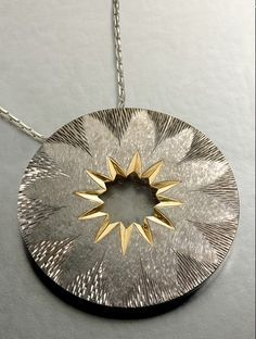 Image result for texture jewellery brooch Contemporary Jewellery, Contemporary Art, Jewelry Art, Jewelry Design, Unusual Jewelry, Hand Engraving, Metal Art, Carving, Pendants