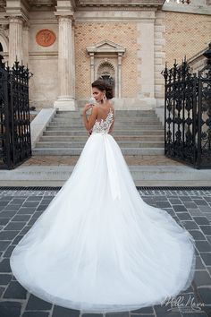 Chelsi, Mila Nova wedding gown.