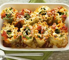 #FoodRecipes: #Cheesy #Lasagna Rolls With #Spinach and #Ricotta http://food-recipes-4-all.blogspot.com