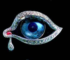 Three-inch long piece of jewellery in the shape of a human eye, designed by surrealist artist Salvador Dali. Salvador Dali, Eye Of Horus, Barcelona, Eye Art, Precious Metals, Bunt, Jewelry Collection, Fine Jewelry, Jewellery