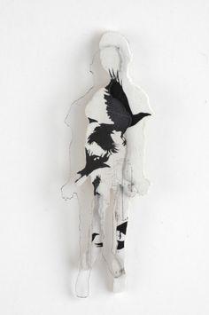 MARIA VALDMA-EE fiktsioonid. rinnaehe. 2005. pleksiklaas, fotokoopia, puit, hõbe  / fictions. brooch. 2005. plexyglass,  plexyglass, photocopy, wood, silver