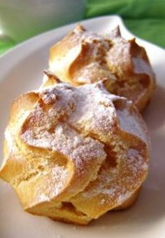 Kue Soes, cream puffs