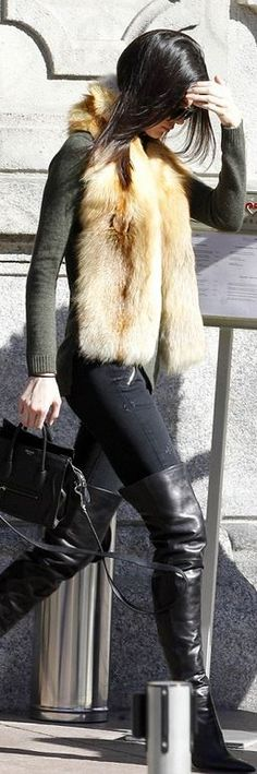 \ Kendall Jenners black over the knee boots, handbag, and aviator sunglasses style id