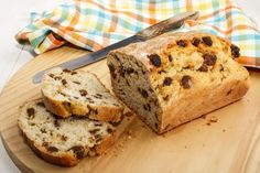 Plump and juicy raisins, sweet cinnamon, and doughy bread this recipe will be your new favorite. Cinnamon raisin bread is so easy to make! Cinnamon Roll Cookies, Cinnamon Raisin Bread, Banana Bread, Cookie Recipes, Bread Recipes, Dessert Recipes, Vegan Desserts, Casserole Recipes, Easy Recipes