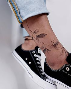 30 Crazy-Good Tattoos for Women – TattooBlend – malen – - tatoo feminina - 30 Crazy-Good Tattoos for Women TattooBlend malen - Mini Tattoos, Leg Tattoos, Body Art Tattoos, Small Tattoos, Sleeve Tattoos, Tatoos, Small Women Tattoos, Ankle Tattoos For Women, Irezumi Tattoos