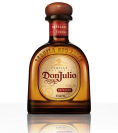 Tequila Don Julio Reposado Tequila Bottles, Alcohol Bottles, Liquor Bottles, Whisky, Agaves, Tequila Image, Bourbon, Fun Drinks, Alcoholic Drinks