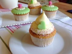 VÍKENDOVÉ PEČENÍ: Mandlové cupcakes s vanilkovým krémem