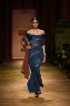 Tarun Tahliani off the shoulder sari.