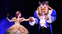 Croisière: à bord du Disney Dream---------------------------Des spectacles sont présentés chaque soir au théâtre Walt Disney du Disney Dream. La troupe des Golden Mickeys est l'une des favorites à bord des navires de la compagnie.