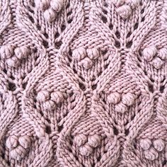 Olive's Chunky Lace - Ravelry: Olive& Chunky Lace pattern by Pernille Larsen - Lace Knitting, Knitting Stitches, Knitting Designs, Knitting Machine, Lace Patterns, Stitch Patterns, Crochet Patterns, Big Knit Blanket, Knitted Blankets