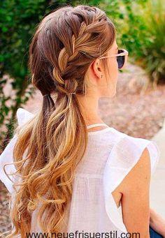 Hübsch Lange Geflochtene Frisur
