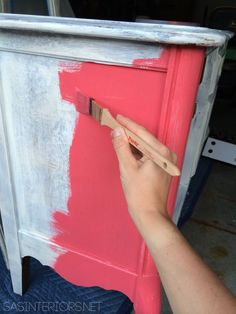 DIY Tutorial: tips + tricks on How-To Successfully Paint Wood Furniture. Perfect tutorial for repurposing wooden furniture for nursery. Refurbished Furniture, Paint Furniture, Furniture Projects, Furniture Makeover, Diy Projects, Furniture Refinishing, Hutch Makeover, Chair Makeover, Furniture Removal