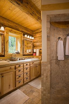 Montana Log Homes - curved shower